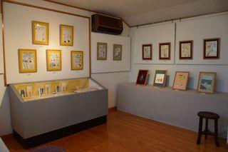 高野文子展 展示室サイズ小.jpg